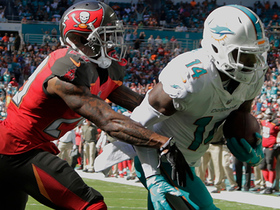 Jarvis Landry makes this goal-line TD catch look easy