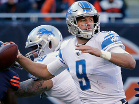 Matthew Stafford easily finds Ameer Abdullah for 2-yard TD