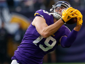 Watch: Adam Thielen goes all out for diving catch