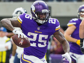 Watch: Latavius Murray breaks through for 25-yard run