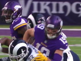 Latavius Murray sprints up the middle for 34-yard gain
