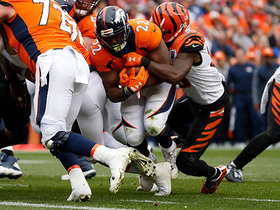 Watch: C.J. Anderson bulldozes though D-line for TD