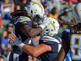 Watch: Melvin Gordon turns the corner for galloping 10-yard TD