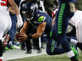 Russell Wilson creates magic on 3rd-and-12, scrambles and dives for first down