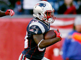 Dion Lewis weaves through defenders for a 25-yard gain