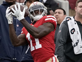 Marquise Goodwin pulls in 23-yard catch