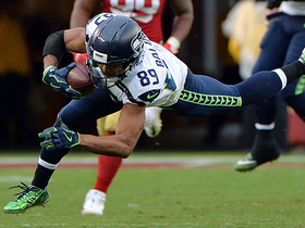 Doug Baldwin leaps up for 23-yard catch