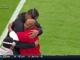 Calais Campbell greets former teammates pre-game