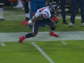 Blue slips through Mosely's tackle, keeps balance for 14 yards