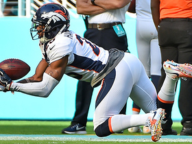 Chris Harris Jr. hauls in crazy diving interception