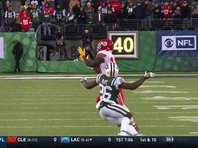 Smith finds Hill for an incredible 40-yard gain