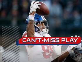 Can't-Miss Play: Evan Engram palms football in mid-air for catch
