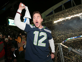 Chris Pratt rallies the 12th Man before Eagles-Seahawks