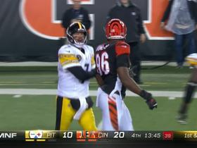 Big Ben absorbs big hit from Dunlap, still completes pass to Brown