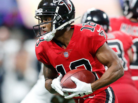 Taylor Gabriel makes sliding grab, nearly sets up Falcons in FG position