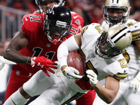 Watch: Lattimore steps in front of Julio for big INT before halftime