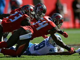 Buccaneers D capitalizes on unlucky Eric Ebron fumble