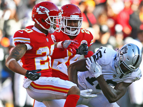 Steven Nelson rips ball out of Holton's hands, Chiefs recover