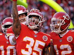 Watch: Charcandrick West gets North-South for 13-yard TD