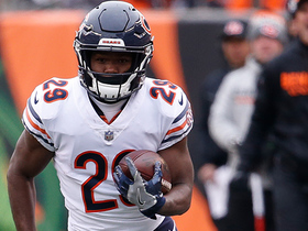 Tarik Cohen gets direct snap, blows past defenders for 29 yards
