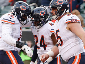 Watch: Jordan Howard launches himself across goal line for an 8-yard touchdown