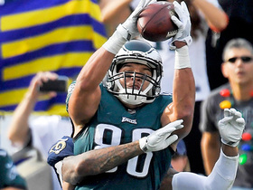 Trey Burton out-muscles John Johnson III for big-time TD