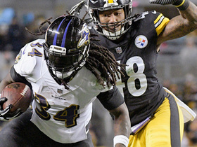 Alex Collins bounces out of pile, finds new lane to run in TD