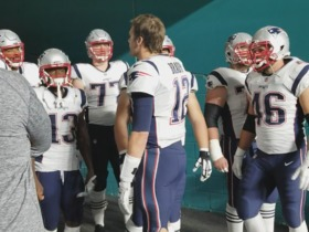 Tom Brady leads the Patriots out of tunnel before MNF