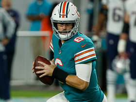 Dolphins fool Patriots with play-action bootleg on fourth down