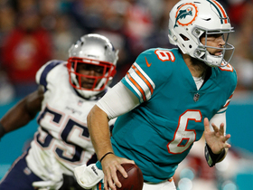 Watch: Jay Cutler somehow escapes sure-fire sack to toss first-down pass to Kenyan Drake