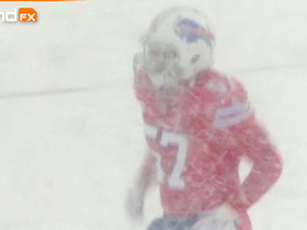Watch: 'Sound FX': Lorenzo Alexander and Bills battle in winter wonderland