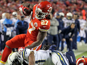 Watch: Kareem Hunt stays red hot with 5-yard TD run up the middle