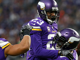 Terence Newman jumps route, juggles football for interception