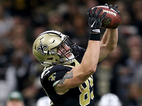 Josh Hill leaps to catch 22-yard dart from Brees