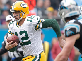 Aaron Rodgers scrambles for first down on fourth down