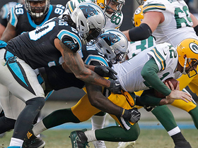Julius Peppers sacks Aaron Rodgers on fourth down