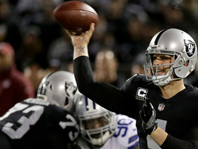 Watch: Carr gets 100th career TD pass with 2-yard toss to Crabtree