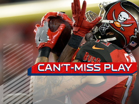 Can't-Miss Play: Evans MOSSES two defenders on 42-yard TD