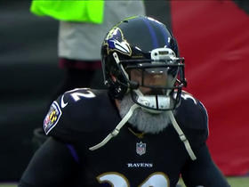 Eric Weddle honors Santa Claus with gray beard