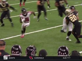 Taylor Gabriel gains 20 yards on a quick screen pass from Matt Ryan