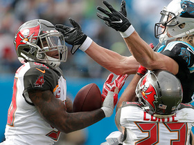 Kwon Alexander intercepts tipped ball with 28-yard return
