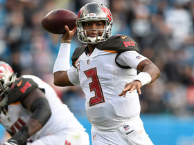 Jameis Winston beats blitz with 19-yard toss to Charles Sims III