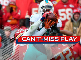 Can't-Miss Play: Parker outjumps Chiefs defenders for 34-yard catch