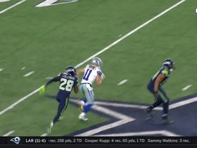 Dak hits Beasley for pivotal fourth-down conversion