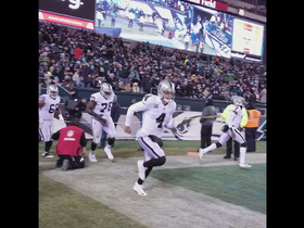 Raiders run out to boos in Philly on Christmas