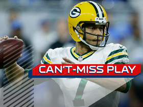 Can't-Miss Play: Hundley tosses on-the-move Rodgers-like pass to Davis