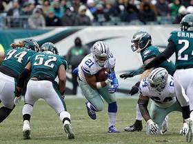Watch: Ezekiel Elliott slashes through the Eagles' defense for 25 yards