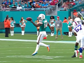 Jarvis Landry makes one-handed fingertip catch look easy