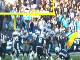 Denico Autry blocks Chargers' PAT attempt