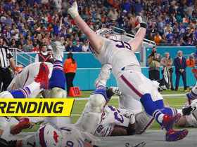 Watch: Big man TD! Kyle Williams powers in end zone, sideline goes crazy